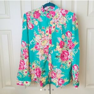 Tops - NWOT Floral Top. Size Large